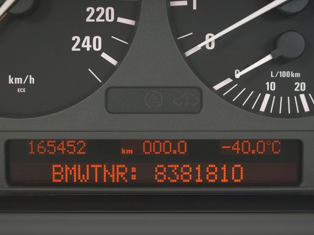 Tachoreparatur Bmw 5er E39 Pixelfehler Kombiinstrument Digital Tuning Service Gmbh