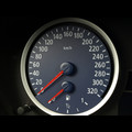 BMW E60, E63, E70, E71 320 km/h in Blau
